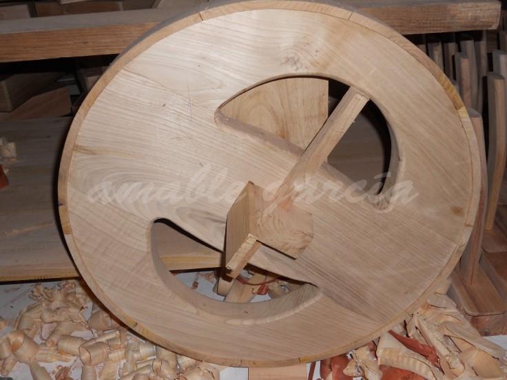 Mesa salón castaño con rodas_1