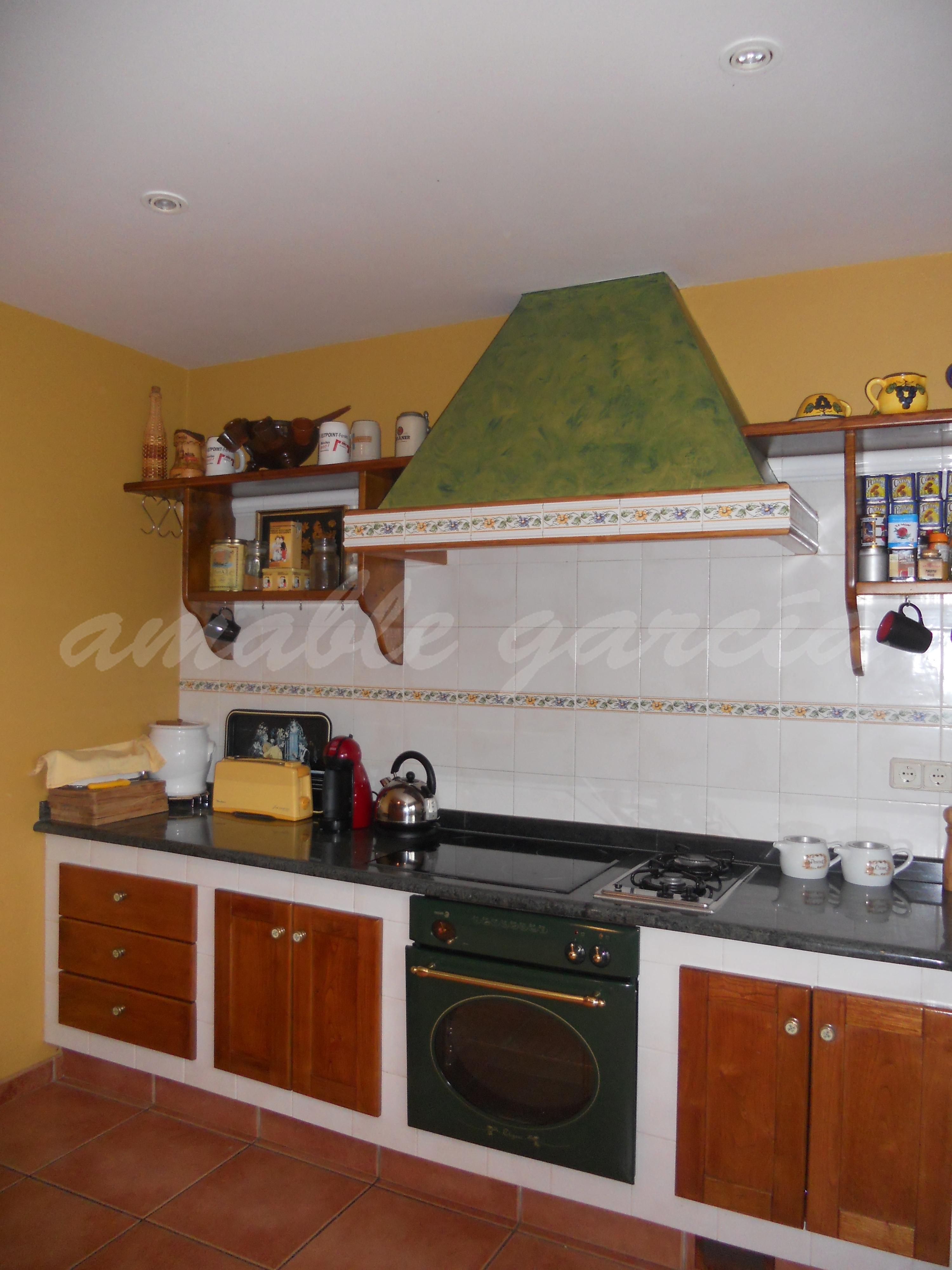 Cociña de obra con alzadeiros_3