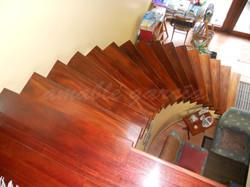 Escaleiras helicoidais de madeira_2