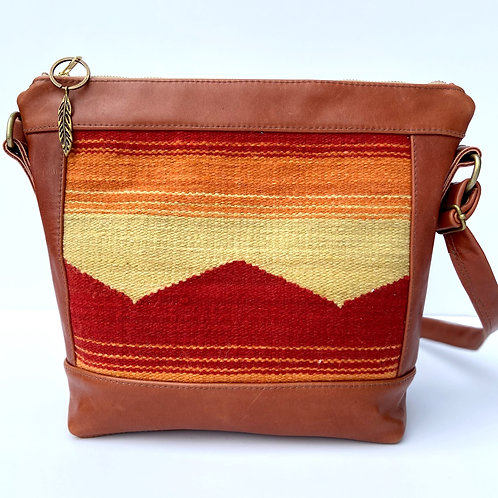 MOUNTAIN CROSSBODY