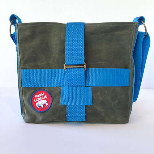 BUFFALO PATCH CROSSBODY