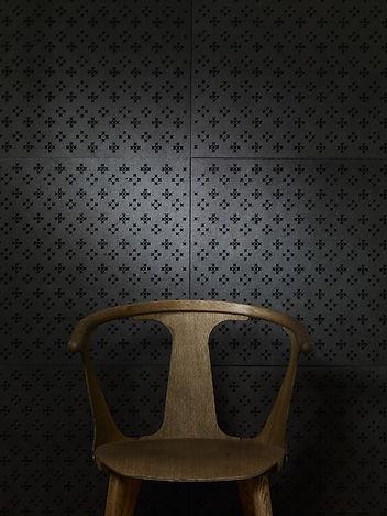 Romance1_chair.jpg