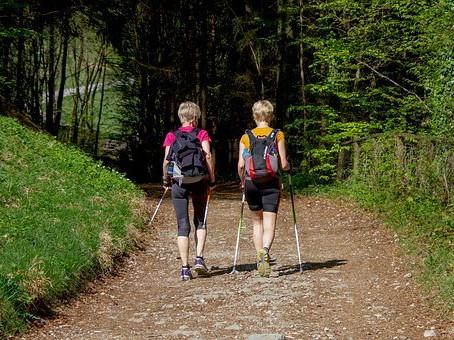 Comment reprendre une activité physique et perdre du poids avec le coaching en marchant