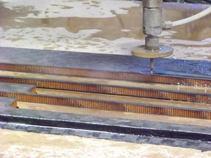 waterjet-cutting-corregated-carbon-fiber
