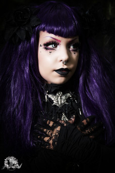 Lady Lunaticbat