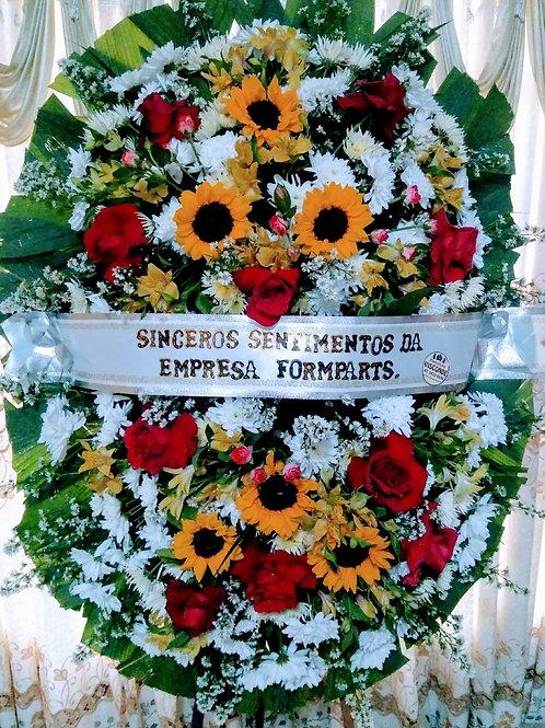 Coroa com Flores do Campo, Rosas, Astroemelias e Gira Sois