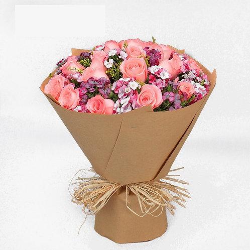 Buquê de 15 Rosas e Margaridas coloridas.