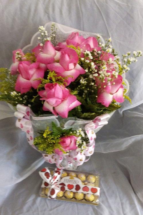 Buque com 12 Rosas cor-de-rosa e Ferrero