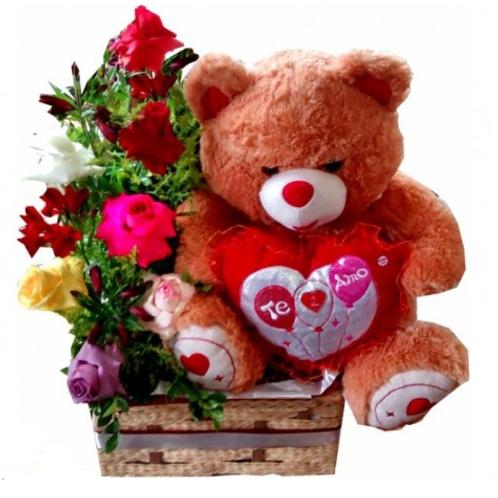 Arranjo com 6 rosas, astromelias e urso de pelucia