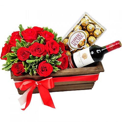 Cesta de 24 Rosas importadas, Vinho e Ferrero Rocher