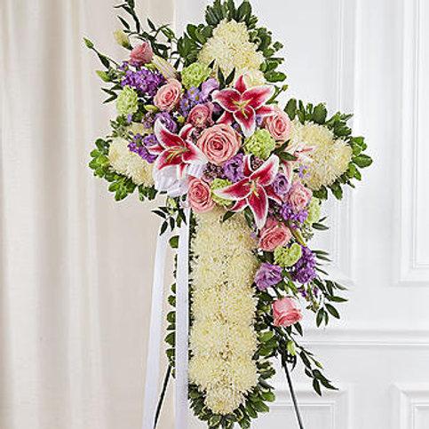 Cruz de flores, com crisântemos, lírios e rosas, 1 mt. de altura.