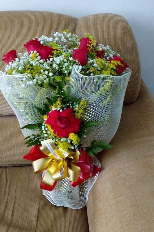 Buque na telinha com 12 Rosas colombianas