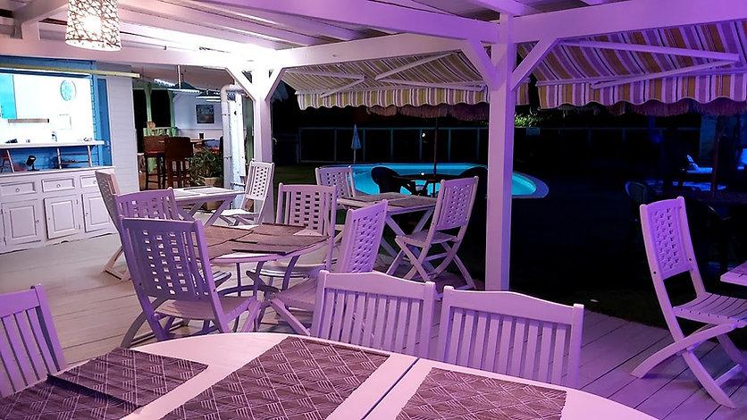 restaurant soir vue piscine.jpg