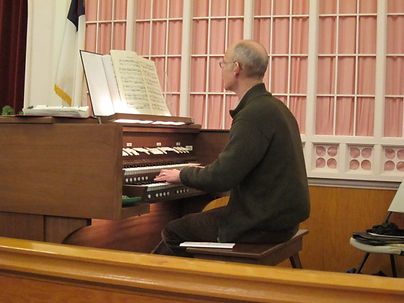 Organist 3.JPG