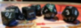 Dados usados no RPG de 10 (dezenas), 8, 4, 6, 10, 20 e 12 lados