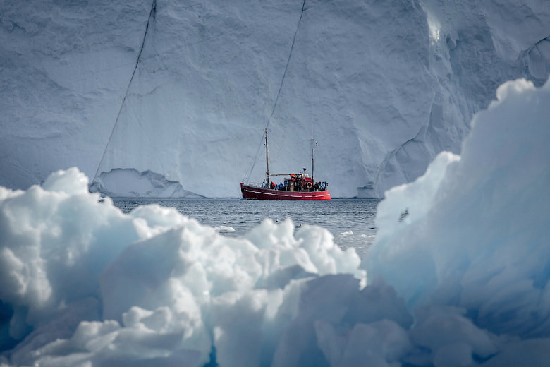 big_a20tour20boat20in20the20ilulissat20ice20fjord20area20in20greenland.jpg