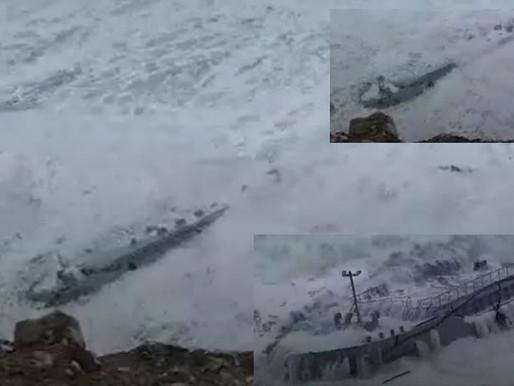 Судно село на мель из-за шторма, Фарерские острова