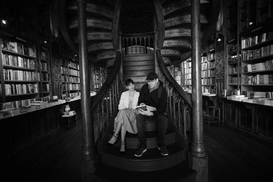 Sophie & Stu in Livraria Lello, Porto
