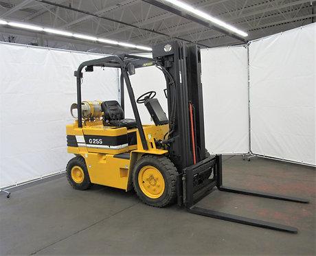 Daewoo Pneumatic Tire Forklift, 5,000 lb. Capacity, LPG, # N-022