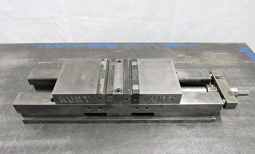 "Kurt 4"" Double Lock Machine Vise No. DL-400C, # V-027"