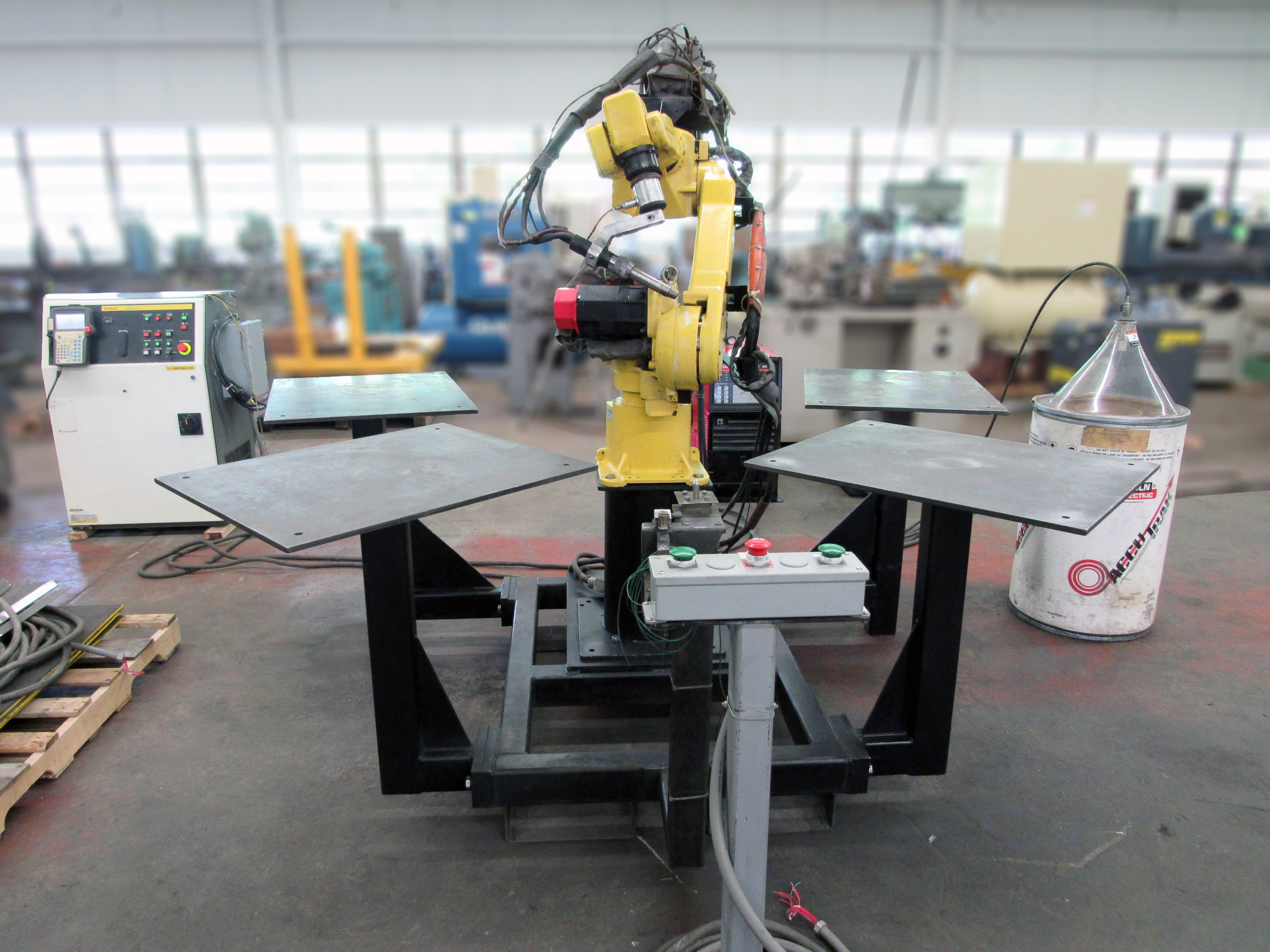 Fanuc 6-Axis Arc Mate 100, Welding Robot w/ R-J2 Control ID# W-040