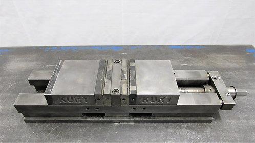 "Kurt 4"" Double Lock Machine Vise No. DL-400C, # V-029"