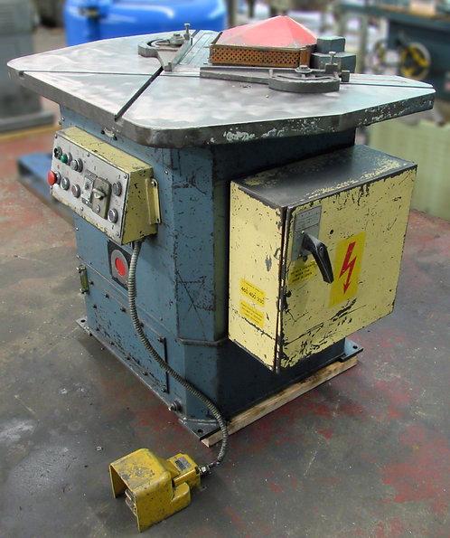 Amada CS-220 Hydraulic Corner Notching Machine, #R-004
