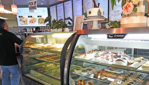 Types of digital signage: promotions and menus