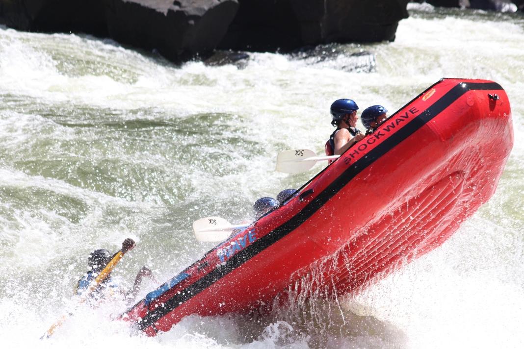 ZAMBEZI RIVER PADDLE RAFTING