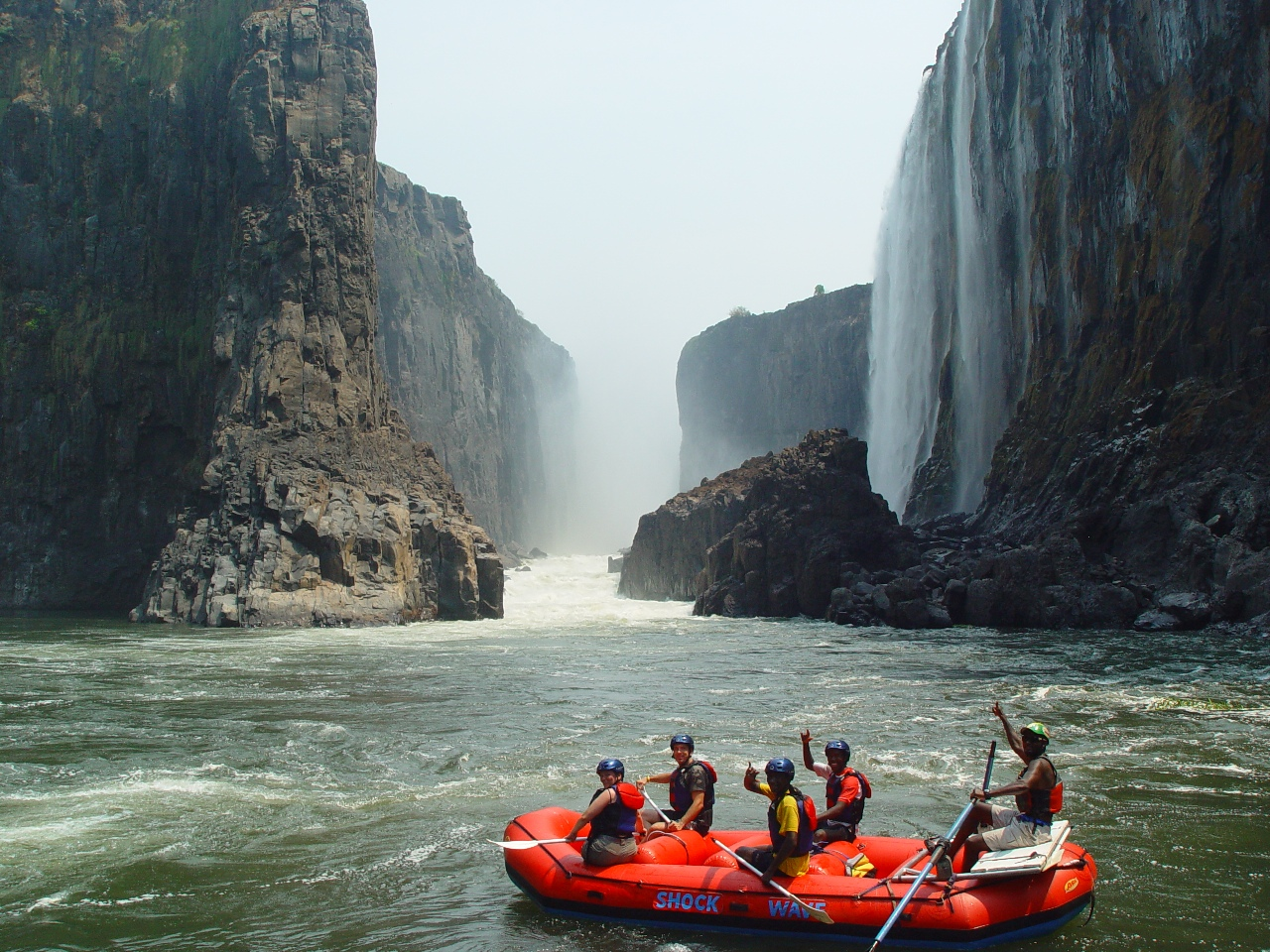 ZAMBEZI RIVER RAFTING BELOW FALLS