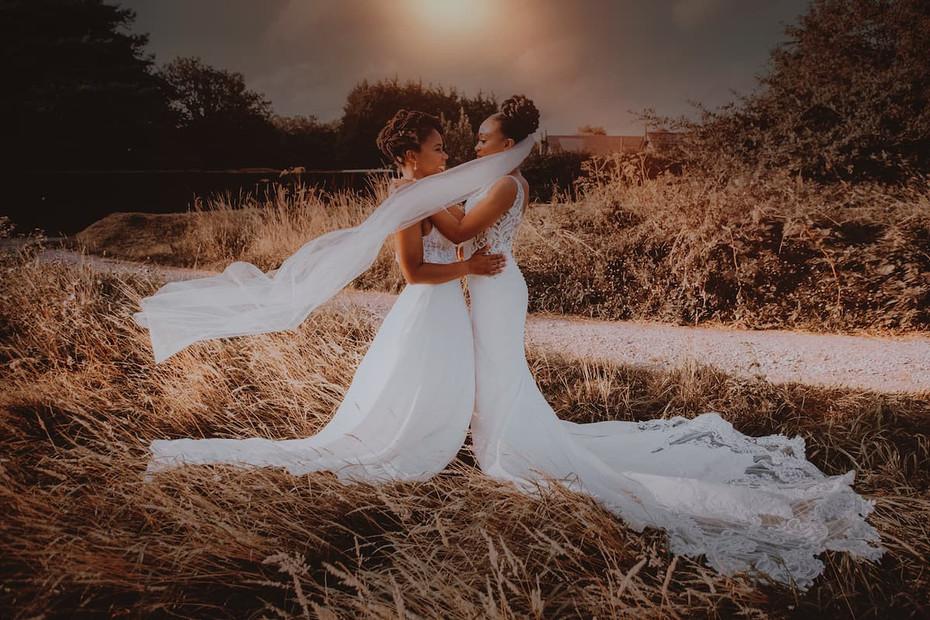 Oaks Farm barn rustic chic gay lesbian wedding photography
