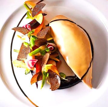 Le suprême de poularde, truffe et mini-légumes du Chef Philippe Mille