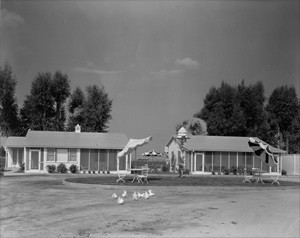 Owner's and guest cottage at Mayer Stock Farm, undated
