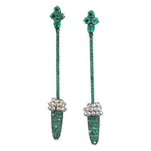 Emerald & Natural Pearl earrings