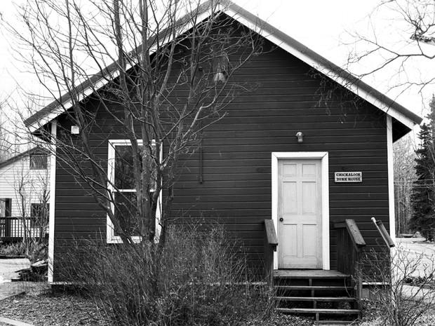Chickaloon Bunkhouse, Alpine Historical Park, Sutton.  Chamonix 045N-2, 210mm Caltar II-N, Ilford HP5+.