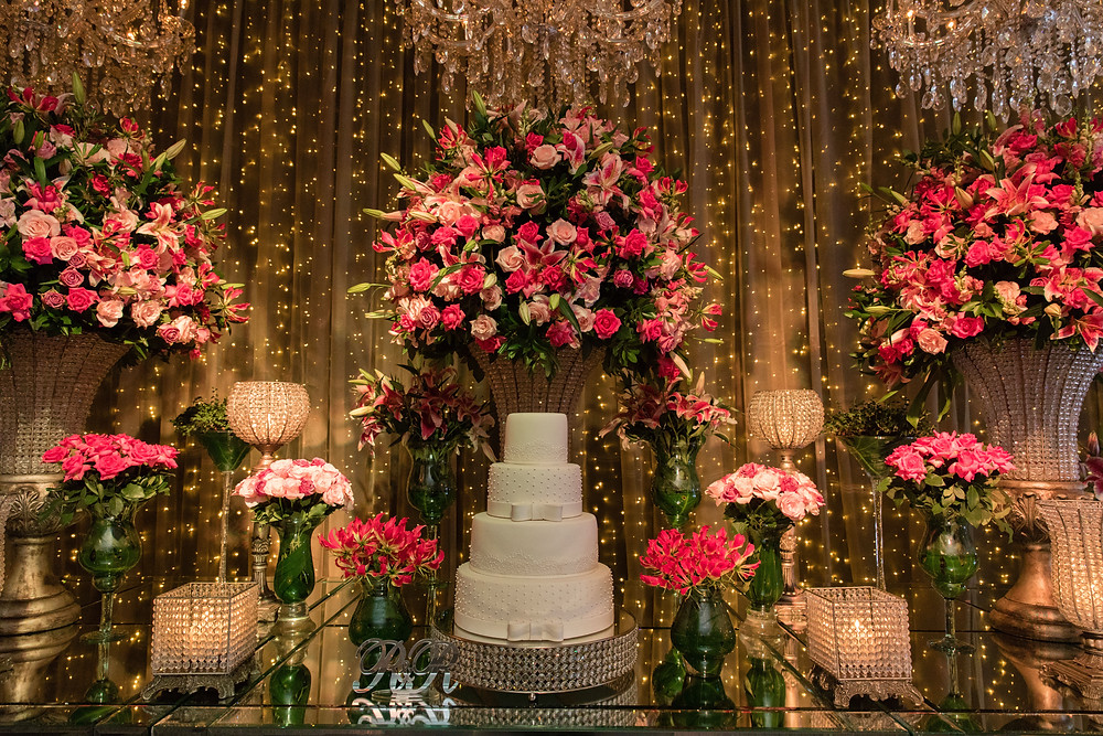 mesa de bolo e doces, rosa classico