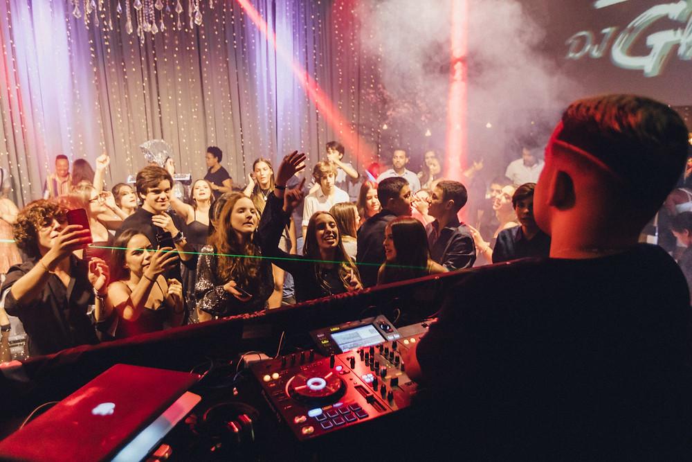 Festa de 15 anos, Debutantes no Buffet Colonial, Espaço de eventos, Buffet em São Paulo. Vestido de debutantes
