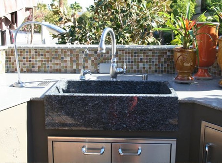 Outdoor kitchen sink: What a professional consider?