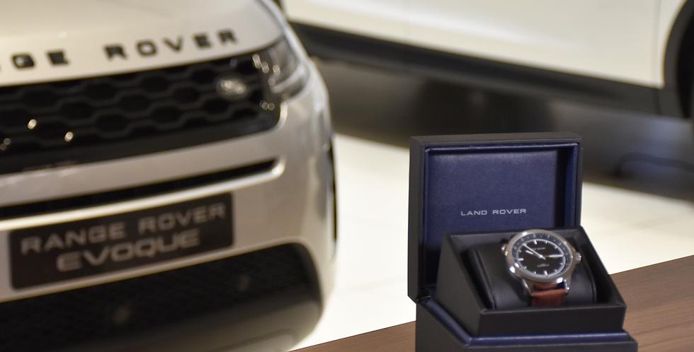 montre land Rover bracelet cuir brun