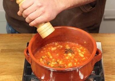 """""""Tuscan recipe of Faggioli all'uccelletto"""""""
