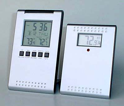 INDOOR/OUTDOOR THERMOMETER CLOCK