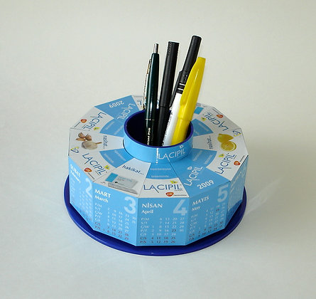 REVOLVING DESKTOP DISC w/PEN - PENCIL HOLDER