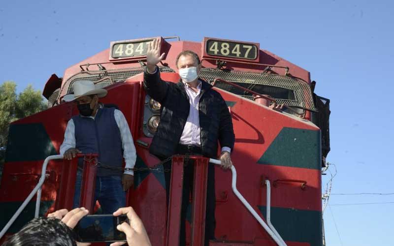 """Suenan el silbato del tren en honor al """"Borrego"""" Gándara en Empalme"""