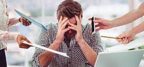 Deben atenderse los problemas psicosociales en el entorno laboral, señala especialista