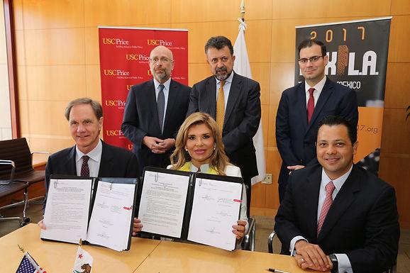 Firma Gobernadora Pavlovich convenio con la Universidad del Sur de California