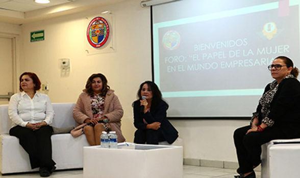 Refuerzan formación de estudiantes de Administración en foro sobre mujeres empresarias