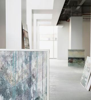 Peintures dans la galerie