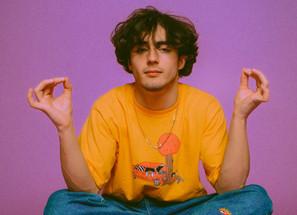[Entrevista] Alfie Templeman: um prodígio do pop em busca da felicidade