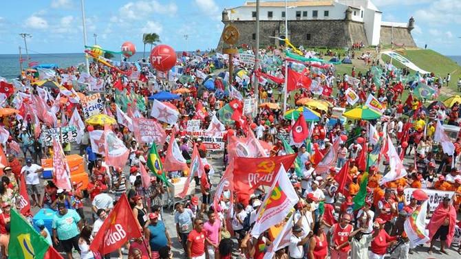 Terceirização aprovada: Vamos as ruas defender nossos direitos!