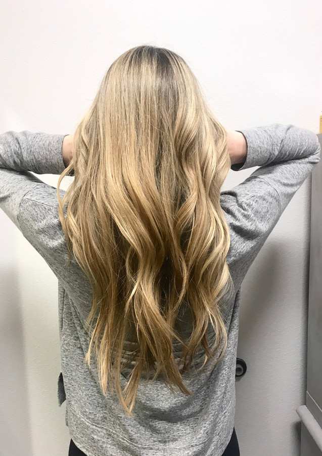 Long blonde highligts